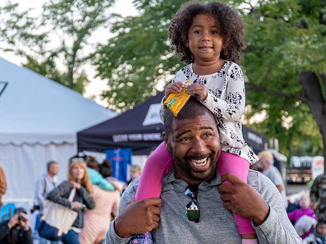 dad and daughter 640x480 - África festival em Lisboa