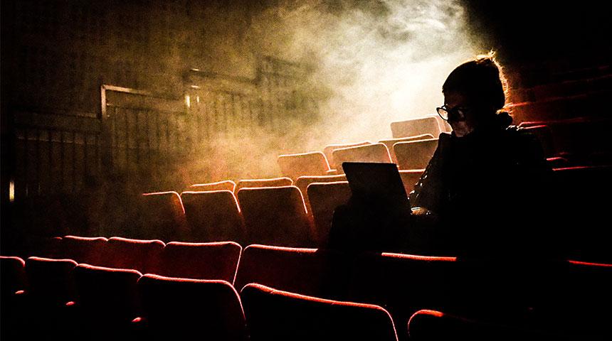 people in cinema - Descubra o Cinema de São Jorge